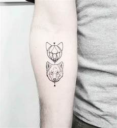 Kleine Tattoos Motive - wolf 60 de idei inspirationale pentru barbati si