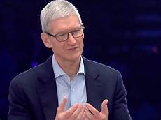 apple ceo tim cook gets big laugh at cisco conference
