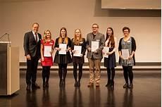 Zwei Hellpach Sch 252 Lerinnen Bekommen Ausbildungspreis Der