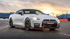 gt r nismo nissan gt r nismo 2017 review car magazine