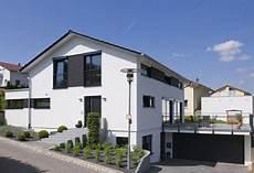 haus bauen ideen fassadengestaltung einfamilienhaus modern satteldach haus deko ideen