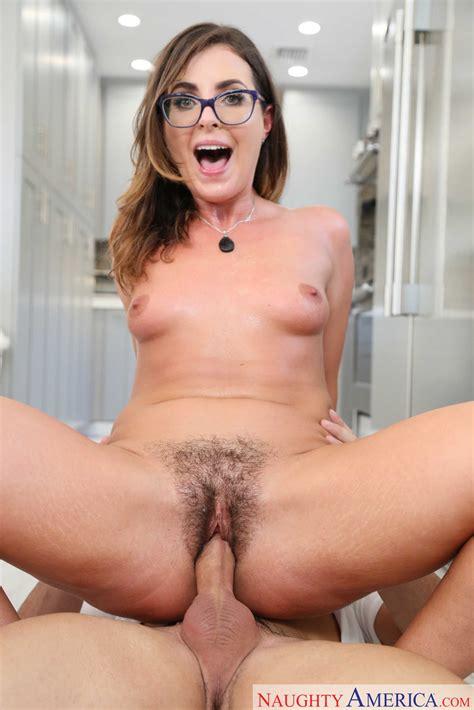 Hot Mom Photo