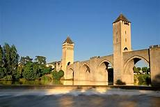 le cahors discover the valentr 233 bridge in cahors in the lot