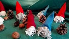 Wichtel Basteln Tannenzapfen - wichtel basteln aus tannenzapfen fleecedecke wolle und