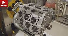 how does a cars engine work 2007 bentley continental gt on board diagnostic system why does bentley use a w12 and not v12 engine carscoops
