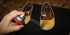enlever odeur chaussure 9 astuces pour que vos chaussures ne sentent plus mauvais