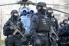 Polizei Berlin Einsätze - bundes polizei procurement logistics governed with