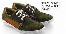 contoh sepatu casual pria r kos fashion distro sepatu pria casual katalog terbaru 2015 2016