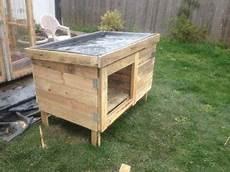 hühnerstall aus paletten bauen sie ein kaninchenstall mit paletten kaninchenstall kaninchen und h 252 hnerstall