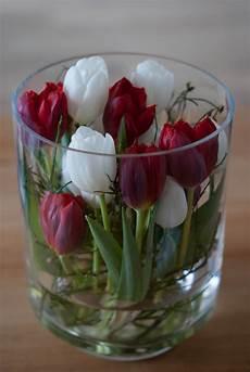 Deko Mit Tulpen - tulpen in einem gro 223 en glas als hingucker in der deko