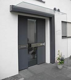 Vordach Hauseingang Mit Seitenteil - vordach dura freitragend glasprofi24 врати vordach