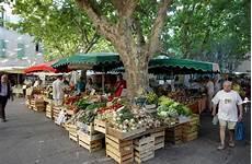 places de marché tourism in uz 232 s in uz 232 ge and pont du gard hostellerie
