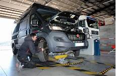 controle technique nouvelle reglementation le contr 244 le technique des cing cars plus s 233 v 232 re d 232 s le