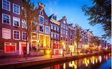 amsterdam bans tours of the light district starting in