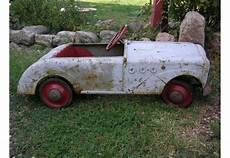 voiture a pedale ancienne voiture ancienne voiture a pedale ancienne dauphine