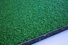 tappeti antitrauma per bambini tappeto antitrauma a rotoli sp 25mm hic 1 69 mt in erba
