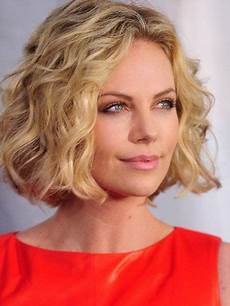 locken frisuren halblang frisuren mittellang stufig locken haare und
