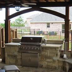 Simple Outdoor Kitchen