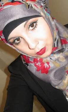 Tutorial Terinspirasi Gaya Jilbab Wanita Arab