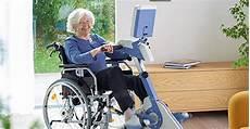 re für rollstuhlfahrer bauen pflegeversicherung therapeutische bewegungstrainer