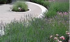 Schöner Garten Terrasse - terrassengestaltung mit wasserbecken terrasse und