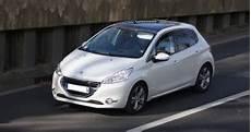 consommation peugeot 208 dtails des moteurs peugeot 208 2012 consommation et avis