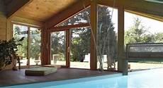 piscine interieur exterieur piscines d int 233 rieur le plaisir de se baigner toute l