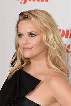 reese witherspoon long wavy cut reese witherspoon looks stylebistro