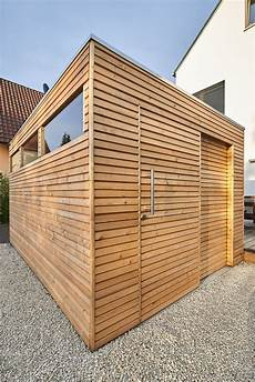 Design Gartenhaus Mit L 228 Rchenholz Glasausschnitten Und