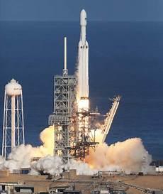 viasat 3 satellite viasat spacex enter contract for a future viasat 3 satellite launch parabolic arc