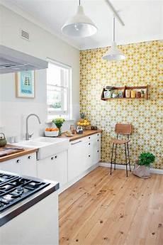 tapeten küche ideen k 252 chentapeten ideen in gelb f 252 r eine stimmungsvolle k 252 che