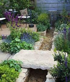 Der Garten Ohne Rasen Garten Garten Brunnen Garten
