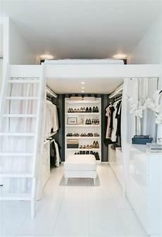 begehbarer kleiderschrank klein 1001 ideen f 252 r offener kleiderschrank tolle wohnideen