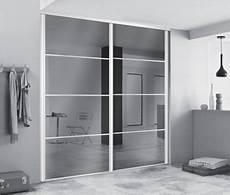 porte de placard miroir portes de dressing avec miroirs pour agrandir l espace