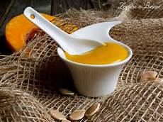 crema pasticcera poche uova crema pasticcera alla zucca ricetta senza uova pasticceria crema e zucche