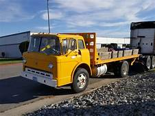 1968 Ford C 600 Flatbed With 3000lb Liftgate For Sale