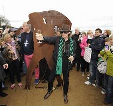 Cing Timmendorfer Strand - udo lindenberg in udo lindenberg sculpture is unveiled at