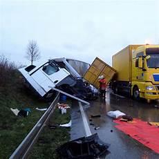 Bilder Zum Lkw Unfall Auf Der A6 Sinsheim Lokal