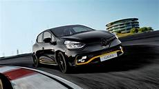 The Renault Clio Rs18 Is One Of Britain S Rarest Cars