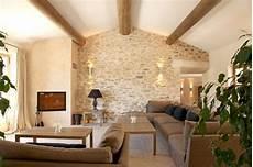 de parement salon murs en pierres apparentes mur en interieur mur