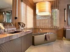 sichtschutz für fenster fabelhafte fenster abdeckung f 252 r badezimmer badezimmer fenster behandlungen f 252 r datenschutz hgtv