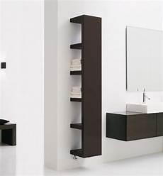 scaffale lack lack scaffale all interno di un bagno