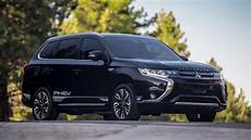 2019 Mitsubishi Outlander Phev Builds On Many Small