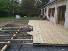 construire une terrasse en palette terrasse en palette sur plot veranda styledevie fr