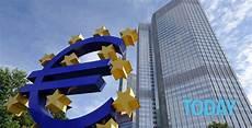banche di interesse nazionale pro e contro dei tassi di interessi negativi praticati