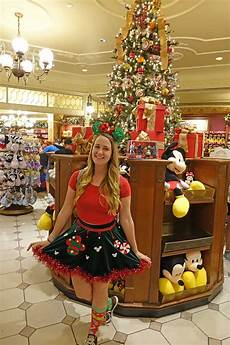 guide to mickey s very merry christmas party 2018