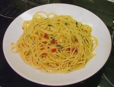 Spaghetti Aglio E Olio - spaghetti aglio olio e peperoncino mcmoe chefkoch de