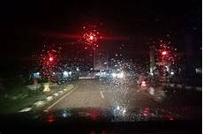 26 Gambar Hujan Di Kaca Malam Hari Arka Gambar
