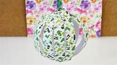 weihnachtsbaum selber machen papier deko kugel