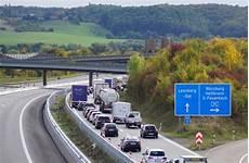 stau a8 münchen stuttgart vollsperrung der autobahn 8 vereinzelt staus und